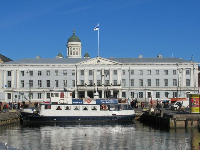 2019-03-finlandia-dia-0-helsinki-ayuntamiento-2.jpeg