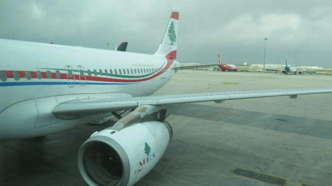 2018-12-jordania-amman-aeropuerto-avion