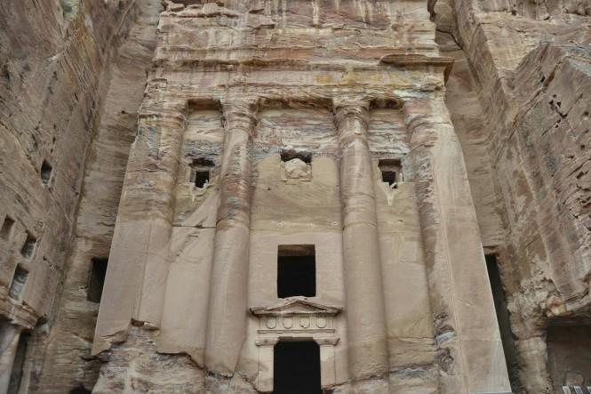 2018-12-jordania-petra-tumba-urna-5.jpeg