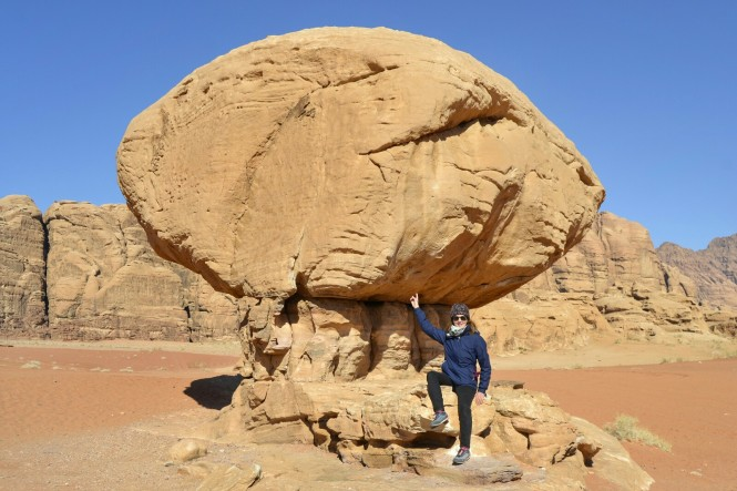 2018-12-jordania-wadi-rum-ruta-desierto-14-roca-seta.jpeg