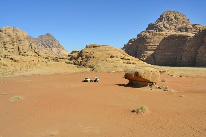 2018-12-jordania-wadi-rum-ruta-desierto-16-roca-seta