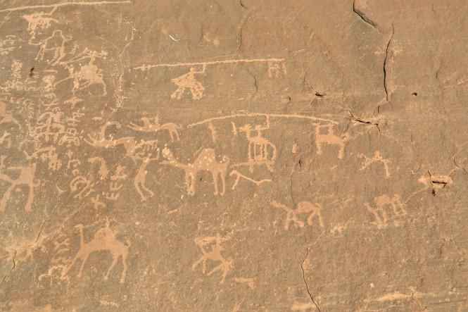 2018-12-jordania-wadi-rum-ruta-desierto-43-petroglifos