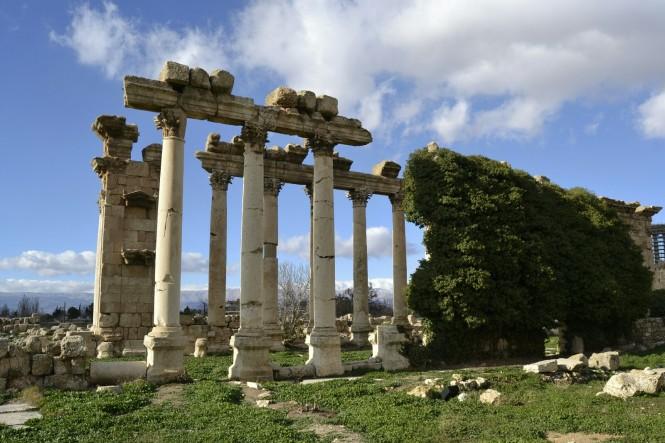 2018-12-libano-baalbek-templo-exterior-6