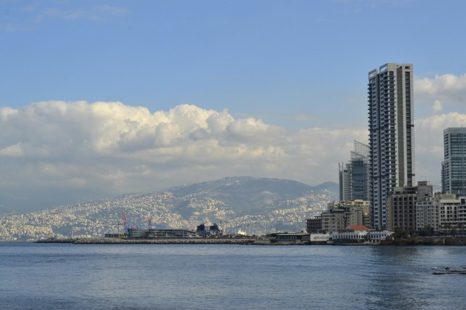 2018-12-libano-beirut-corniche-10-edificios.jpeg