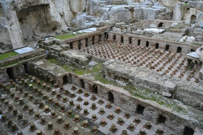 2018-12-libano-beirut-gemmayze-6-banos-romanos.jpeg