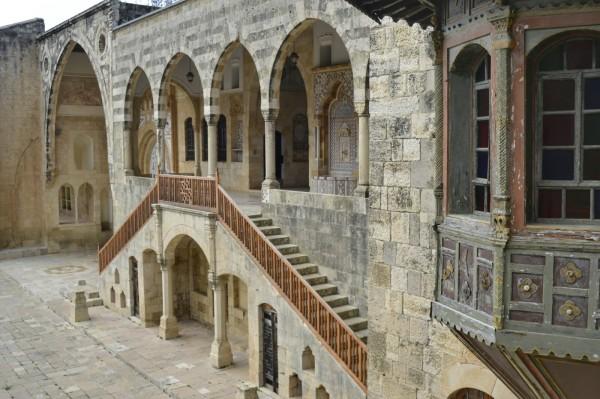 2018-12-libano-beiteddine-dar-al-wousta-exterior-07.jpeg