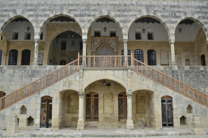 2018-12-libano-beiteddine-dar-al-wousta-exterior-08