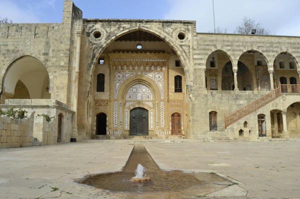 2018-12-libano-beiteddine-dar-al-wousta-exterior-15.jpeg