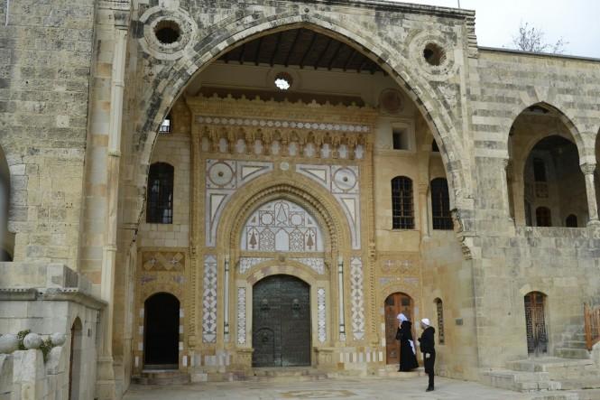 2018-12-libano-beiteddine-dar-al-wousta-exterior-17