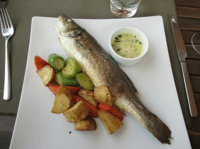 2018-12-libano-comida-mezyan-malena-pescado.jpeg