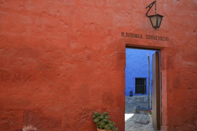 2019-08-peru-arequipa-convento-santa-catalina-11-calle-sevilla.jpeg