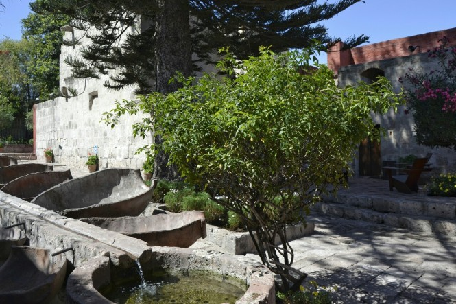 2019-08-peru-arequipa-convento-santa-catalina-13-lavanderia.jpeg