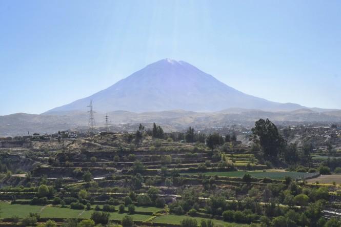 2019-08-peru-arequipa-mirador-carmen-alto-2-volcan-el-misti.jpeg