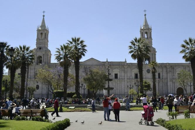 2019-08-peru-arequipa-plaza-mayor-1