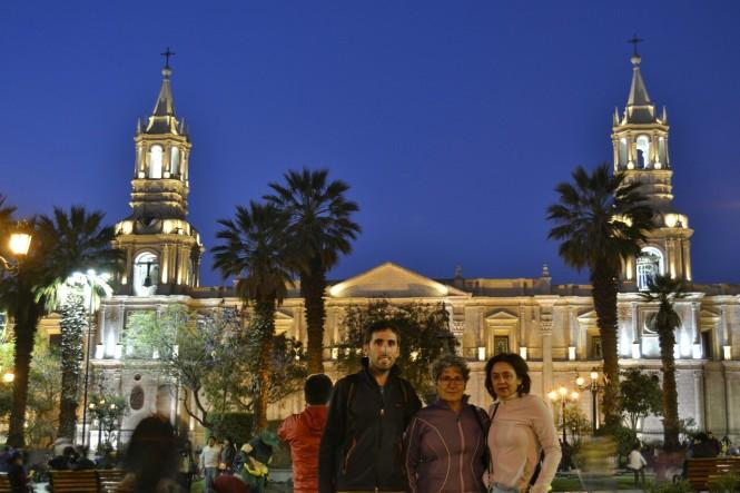 2019-08-peru-arequipa-plaza-mayor-6-catedral