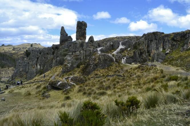 2019-08-peru-cajamarca-cumbe-mayo-13-bosque-piedra