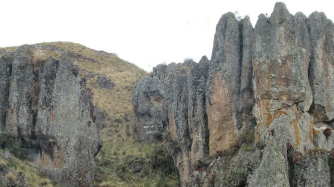 2019-08-peru-cajamarca-cumbe-mayo-14-bosque-piedra-pirata