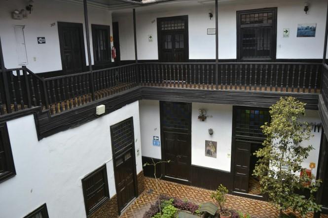 2019-08-peru-cajamarca-plaza-de-armas-4-hotel-casablanca