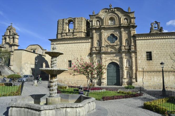 2019-08-peru-cajamarca-plazuela-belen-2-iglesia-belen