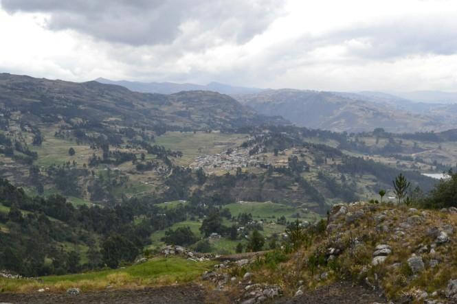 2019-08-peru-cajamarca-ventanillas-combayo-02-vistas-combayo