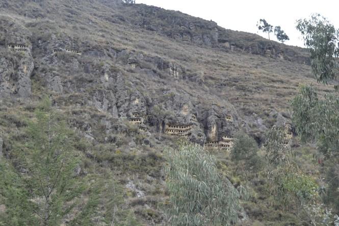 2019-08-peru-cajamarca-ventanillas-combayo-11-necropolis.jpeg