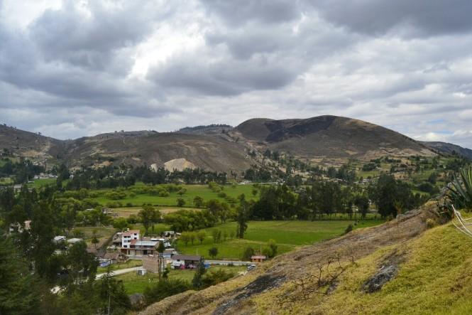 2019-08-peru-cajamarca-ventanillas-otuzco-04-necropolis