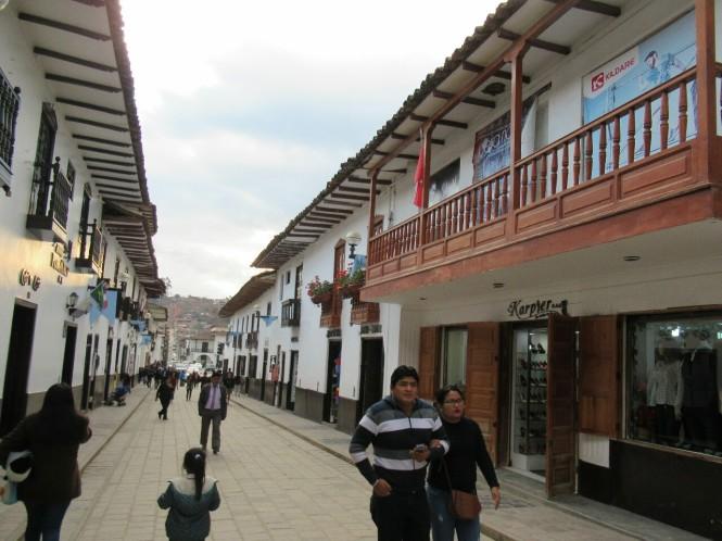 2019-08-peru-chachapoyas-calles-1