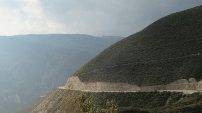2019-08-peru-chachapoyas-karajia-01-carretera-luya