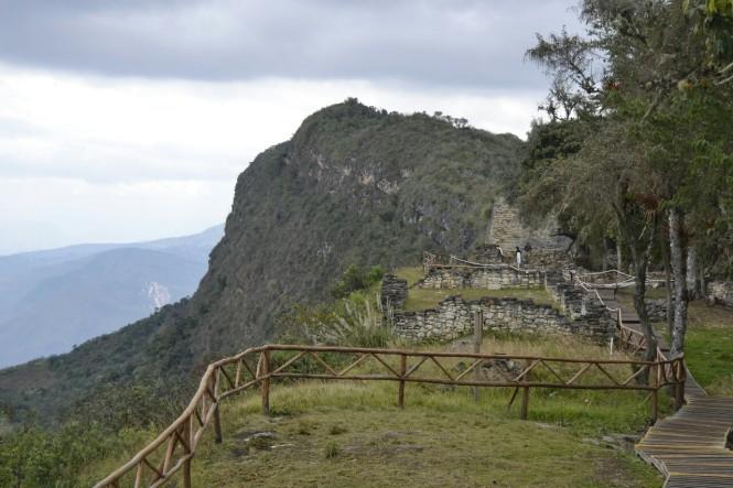2019-08-peru-chachapoyas-kuelap-13-pueblo-alto