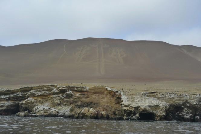 2019-08-peru-tour-islas-ballestas-10-candelabro