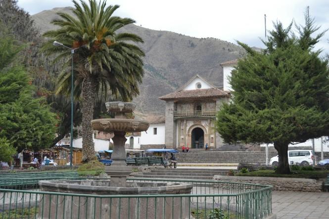 2019-09-cusco-sur-Andahuaylillas-1-templo-san-pedro-apostol