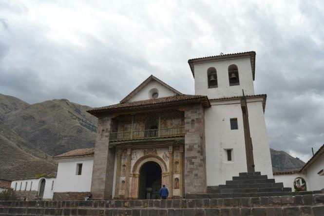 2019-09-cusco-sur-Andahuaylillas-2-templo-san-pedro-apostol