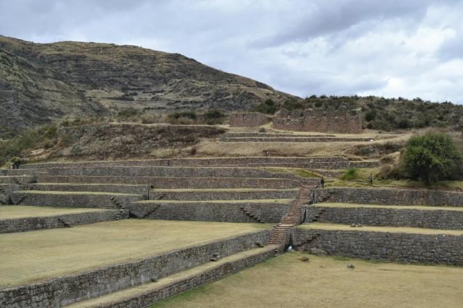 2019-09-cusco-sur-tipon-03-terrazas.jpeg
