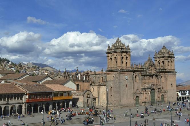 2019-09-peru-cusco-04-plaza-de-armas-catedral