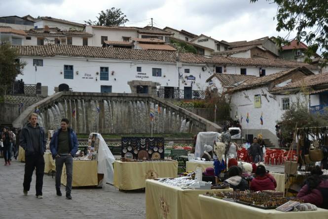 2019-09-peru-cusco-13-barrio-san-blas-plazas