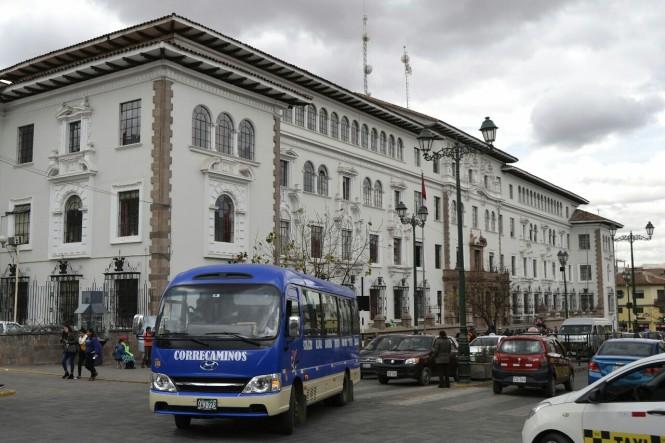 2019-09-peru-cusco-28-palacio-justicia.jpeg