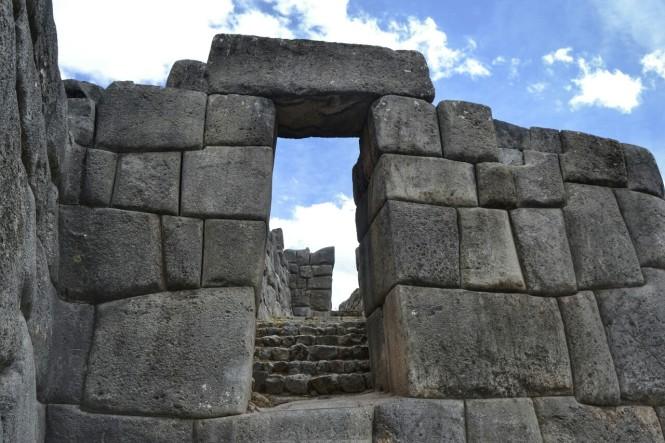 2019-09-peru-cusco-ruinas-saqsaywaman-06-murallas.jpeg
