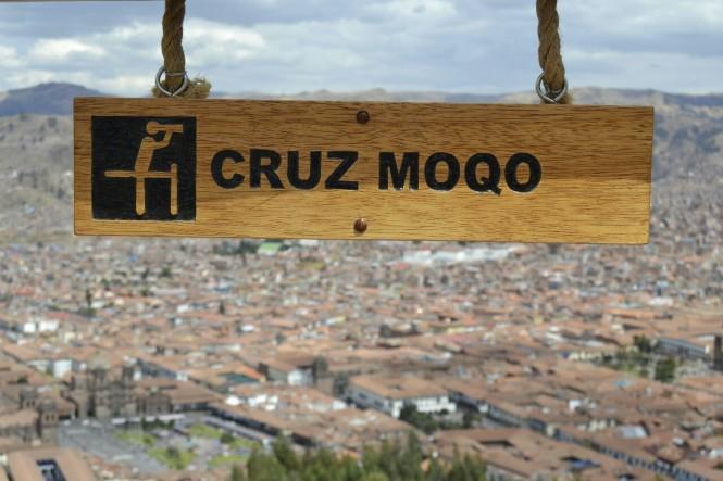 2019-09-peru-cusco-ruinas-saqsaywaman-07-mirador-cruz-moqo.jpeg