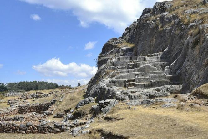 2019-09-peru-cusco-ruinas-templo-de-la-luna-2.jpeg