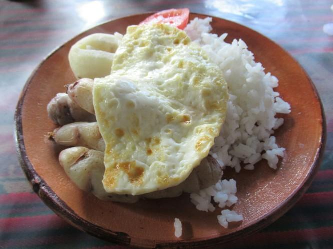 2019-09-peru-gastronomia-amantani-arroz-verdura-queso