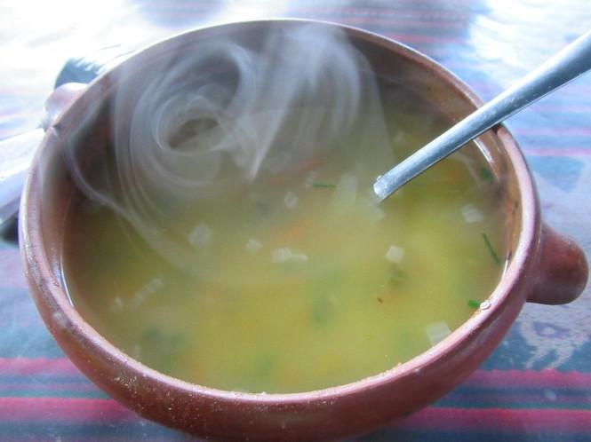 2019-09-peru-gastronomia-amantani-sopa.JPG