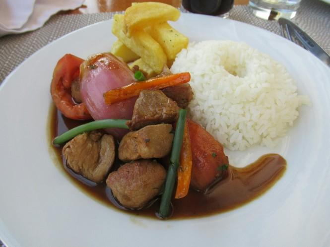 2019-09-peru-gastronomia-cusco-mistura-grill-estofado-alpaca.JPG