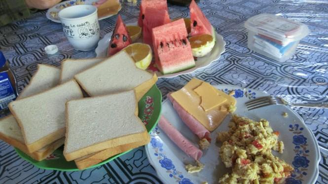 2019-09-peru-gastronomia-pacaya-samiria-desayuno.jpeg