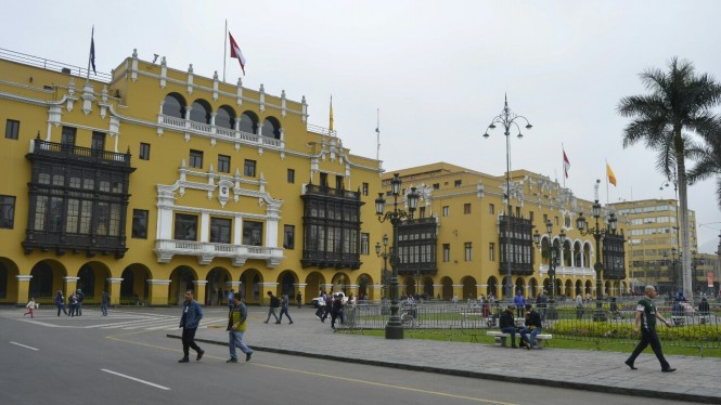 2019-09-peru-lima-plaza-de-armas-3.jpeg