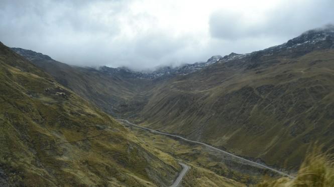 2019-09-peru-machu-picchu-ruta-hidroelectrica-02-carretera.jpeg
