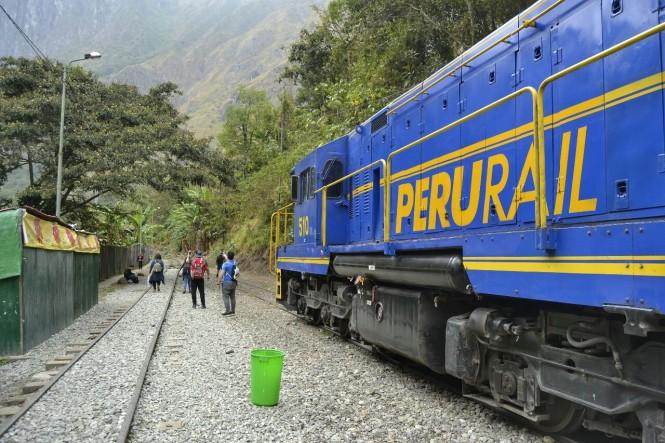 2019-09-peru-machu-picchu-ruta-hidroelectrica-06-camino.jpeg
