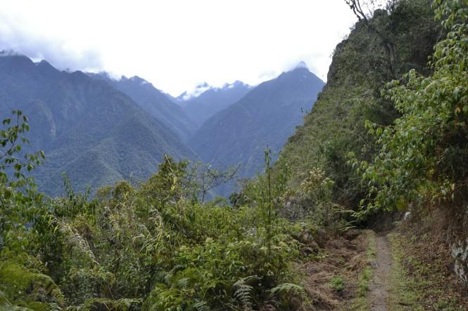 2019-09-peru-machu-picchu-wayna-picchu-14-hacia-gran-caverna