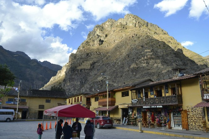 2019-09-peru-valle-sagrado-ollantaytambo-14-pueblo.jpeg
