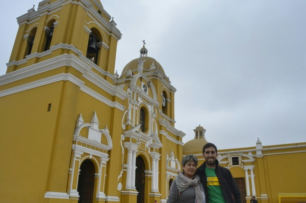 2019-08-peru-trujillo-plaza-de-armas-07-catedral