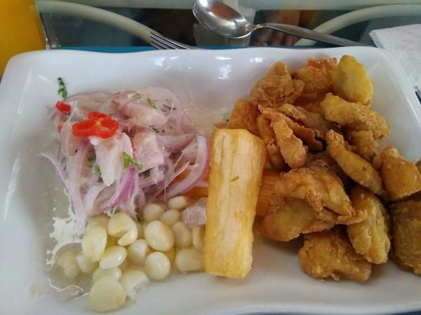 2019-09-peru-gastronomia-lima-ceviche-chicharron-corvina